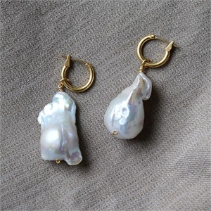 [엘리오나] Baroque Pearl Earrings