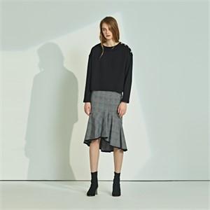 [릴리우] Neck point T-shirts_black