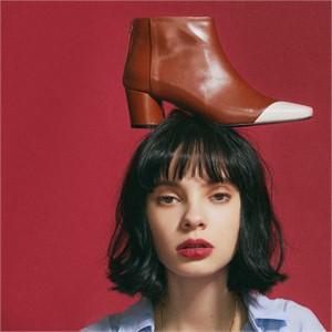 [꼼므지] Asymmetry Ankle Boots / CG1029IVCA