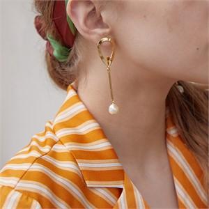 마티아스[] Waterdrop bar Earring - Gold