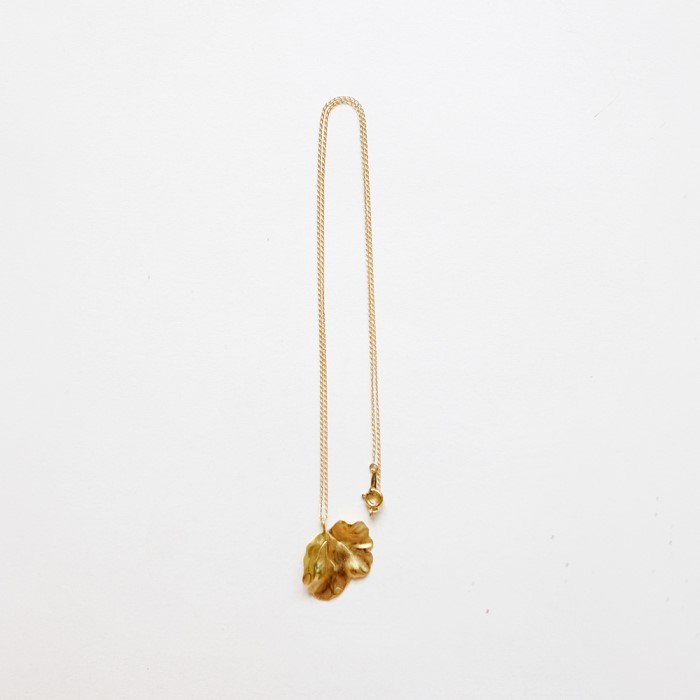 [비베] Smooth Leaf Necklace