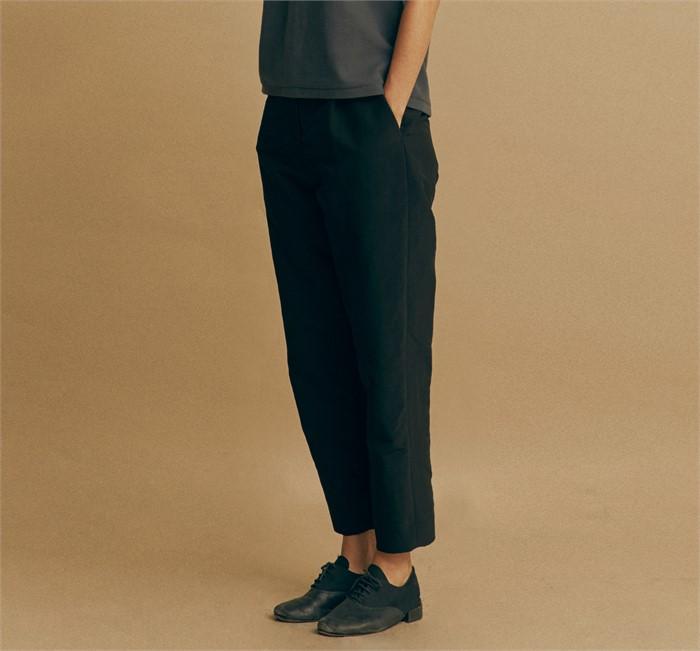 [모스카] WOVEN CROP PANTS