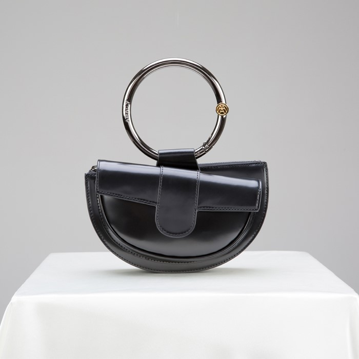 [아라크나인] ENVY BELT BAG - glossy black