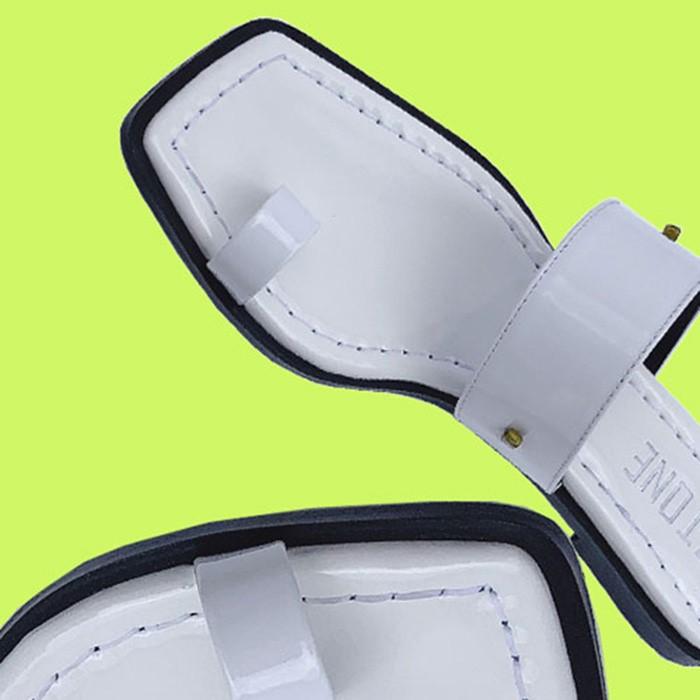 [즈톤] ZT9102-056_Toe strap sandal/ WHITE