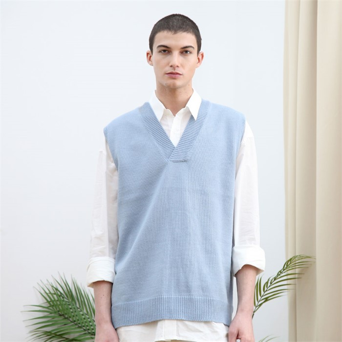 [유니온로우]v넥 패턴 니트 베스트_스카이 블루
