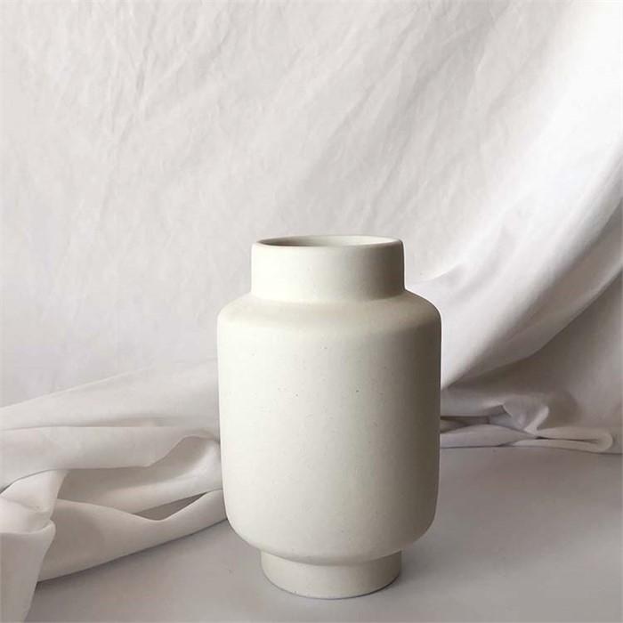 [피우다 (PIUDA)] White Cream vase (크림 세라믹 베이스,화병)