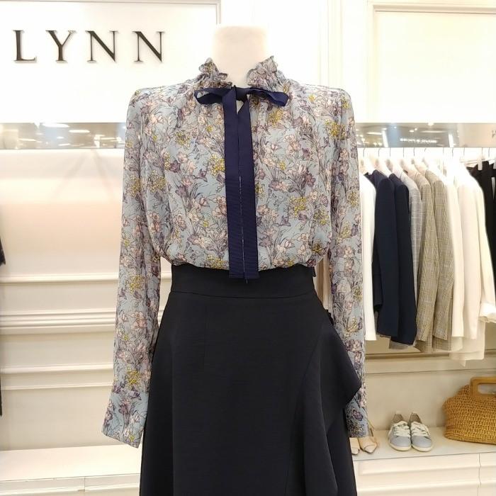 Lynn NC02 린 꽃무늬프린트브라우스 LGBLJI9800