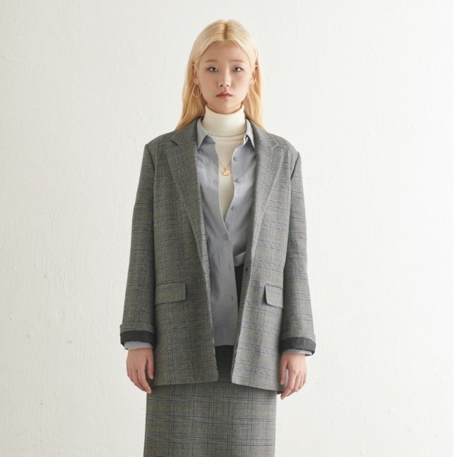 TATE NC02 여성 세미오버핏 체크 자켓 KA9W9-WJK010