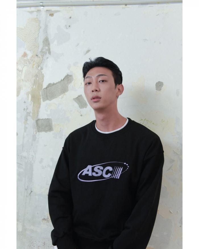 [런런런 클럽] RUNRUNRUN CLUB ASCII SWEAT BLACK