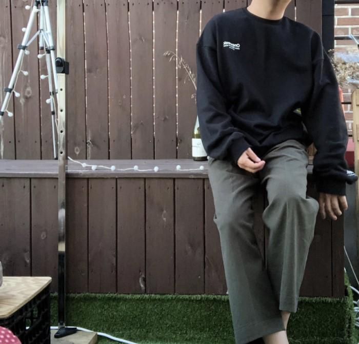 오버핏 원위크 맨투맨 스��셔츠