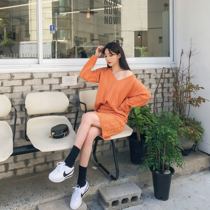 [도도레이디] 브이넥 꽈배기 니트 세트