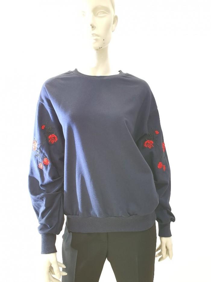 [꼼빠니아] 소매장미자수 포인트 맨투맨 티셔츠 CA7W1-WKS070