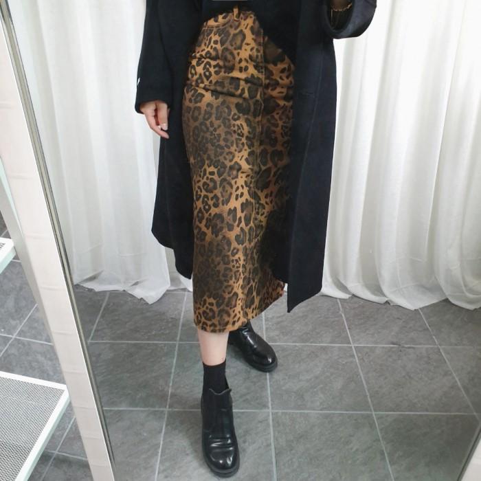 [바이어스] 레오파드 호피 데님롱스커트 독특한 걸크러쉬 섹시한 연말룩 크리스마스코디 포인트 H라인 치마