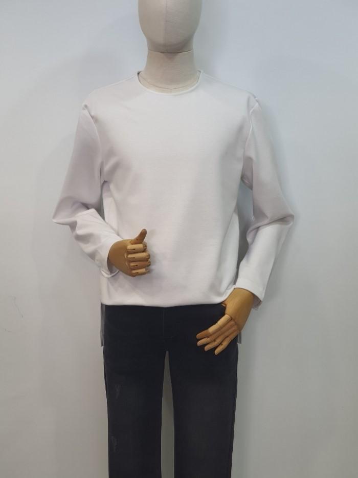 [바쏘옴므] 화이트 라운드 긴팔 티셔츠 WSU1KR76AWH